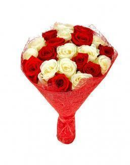 Bouquet of 21 red and white roses mixed | Flowers for Holiday