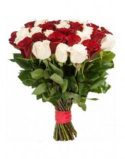 Bouquet of 33 red and white roses mixed | Flowers for Holiday
